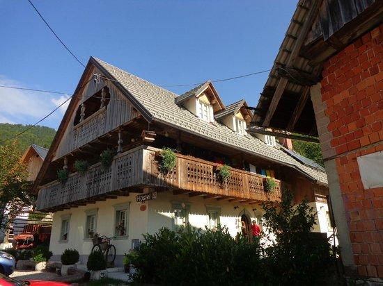 Rustic-House 13 : hostel Studor 13