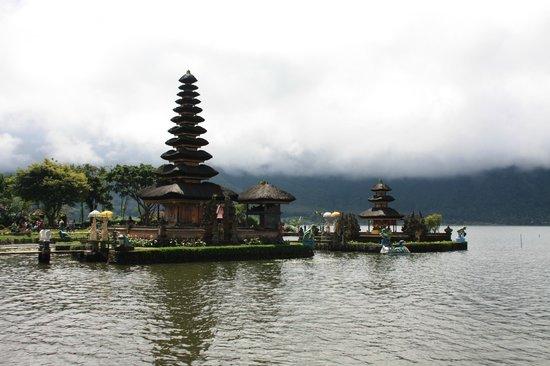 Bali Homestay: Ulun Danu Temple