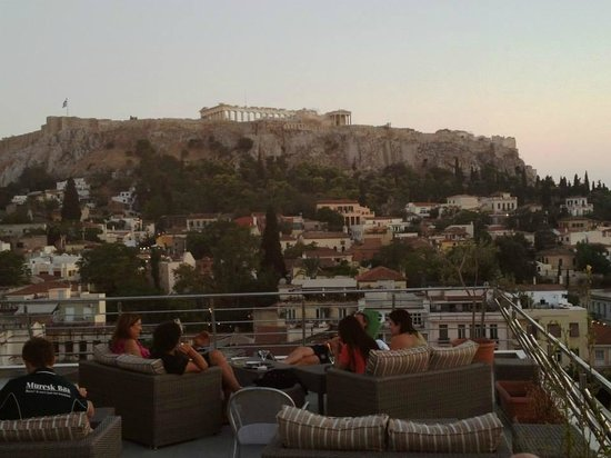 Plaka Hotel: View from rooftop patio