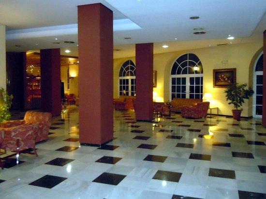 Hotel Monte Triana: Hall d'entrée