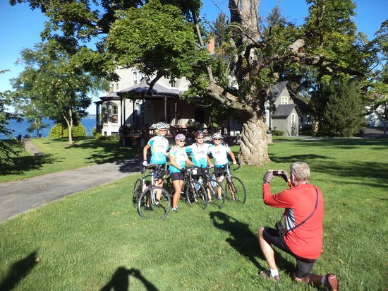 E.B. Morgan House: Starting our morning with a picture in front of the house before biking