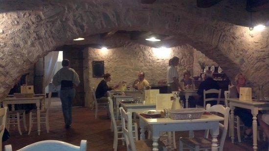 FonteAntica: sala da pranzo