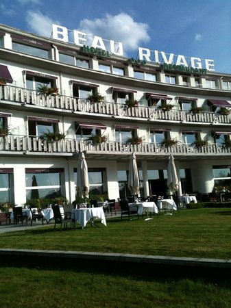 Hotel Beau Rivage : Emplacement ideal