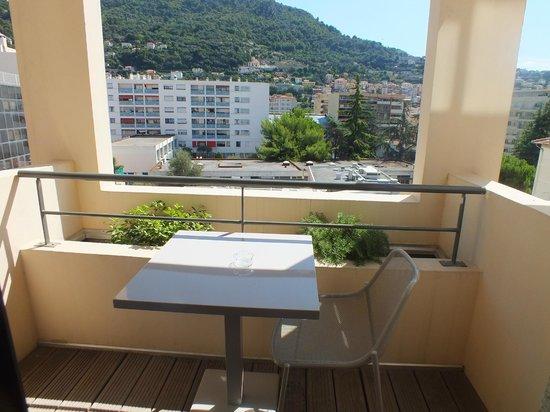 Esatitude Hotel : Балкон