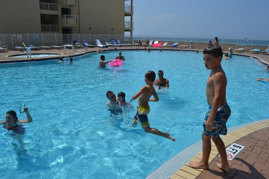 Tidewater Beach Resort: Great pool area!