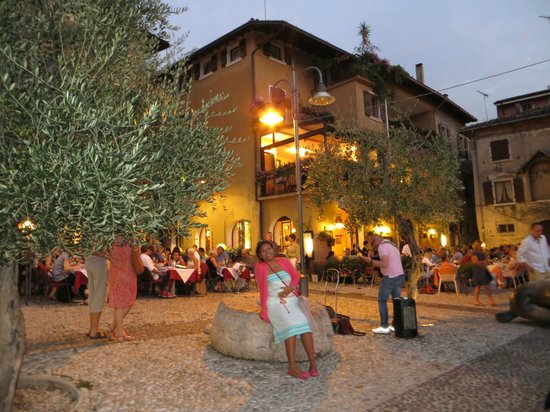 Ristorante La Pace: nice music for dinner