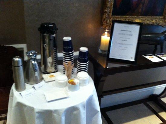 Dukes Hotel: Vuoi caffè o tè al volo?