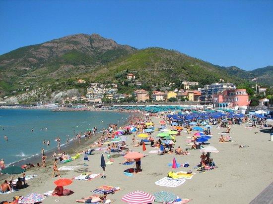 Villa Margherita by the Sea : Levanto beach