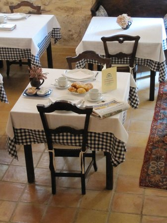Hostal La Panavera: Breakfast is ready!