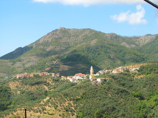 Villa Margherita by the Sea : Levanto - inland walk to Montale