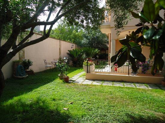 B&B Keira: giardino