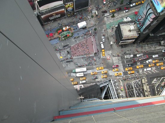 DoubleTree Suites by Hilton Hotel New York City - Times Square: view from living room of suite onto Times Square