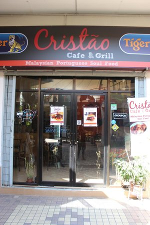 Cristao Cafe & Grill: Front view