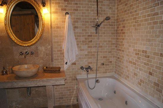 Perimasali Cave Hotel - Cappadocia : bathroom