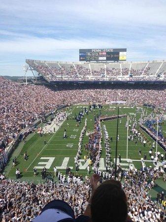 Penn State University: Similar view as team enters