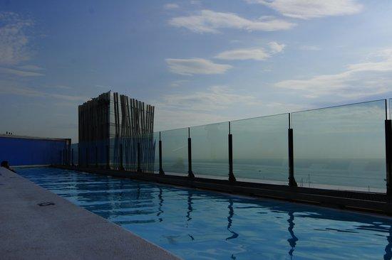 Barcelona Princess: бассейн