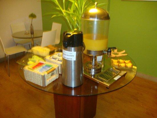 Lemon Inn Panama: Breakfast