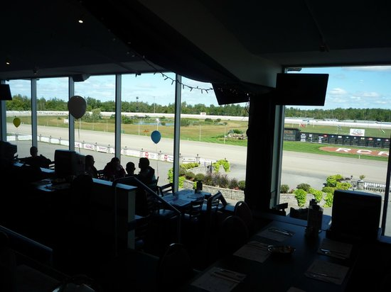 Rideau Carleton Raceway & Casino: view of racetrack outside the window