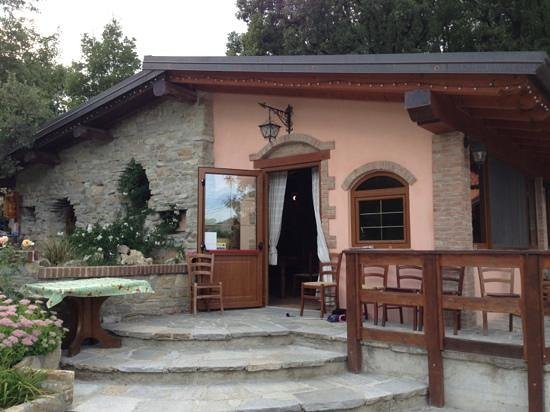 Ristorante agriturismo ranch bellaria in piacenza con for Rimodernato ranch di entrata del ranch