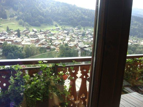Hotel Le Dahu: une vue sur la vallée