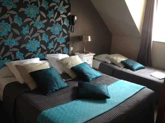 Cote Mer: chambre double + lit supplémentaire