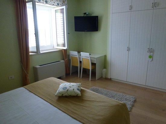 Hotel Korsal: Une autre vue de la chambre