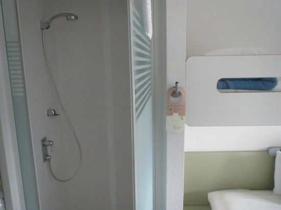 ibis budget Bern Expo: Clean and great water pressure