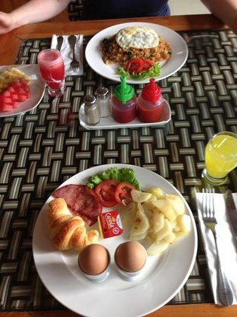 Grand Akhyati Villas and Spa: Breakfast :)