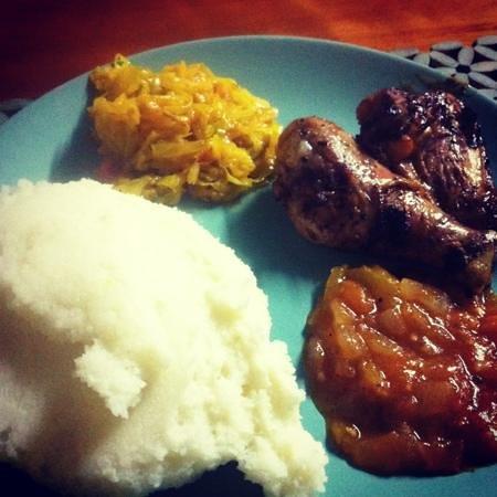 Airport Safari Lodge: アフリカ料理パップ