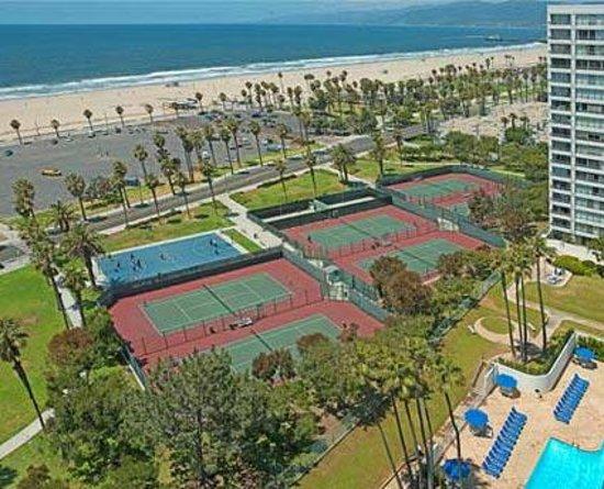 Dial Jones Tennis: Ocean View Courts adjacent to Santa Monica Beach