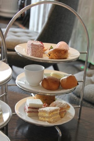 Blythswood Square: The Duchess of Bedford Strawberry Afternoon Tea
