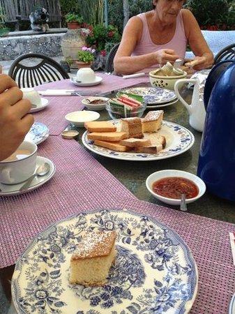 """Agriturismo """"Il Giardino di Vigliano"""": colazione"""