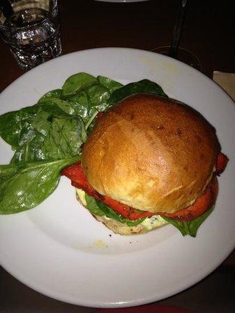 Cafe Moderne: Dehli burger