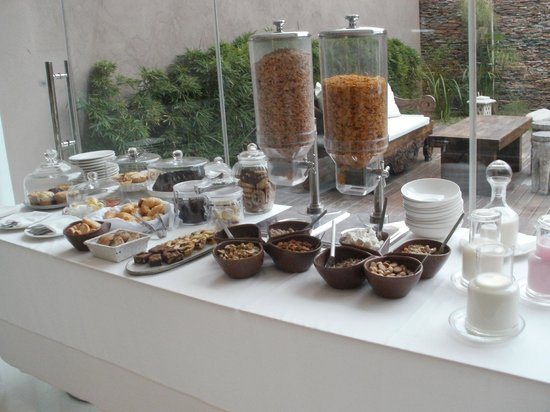 Ilum Experience Home: barra de desayuno