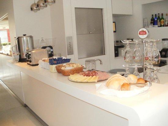 Ilum Experience Home: barra de desayuno01
