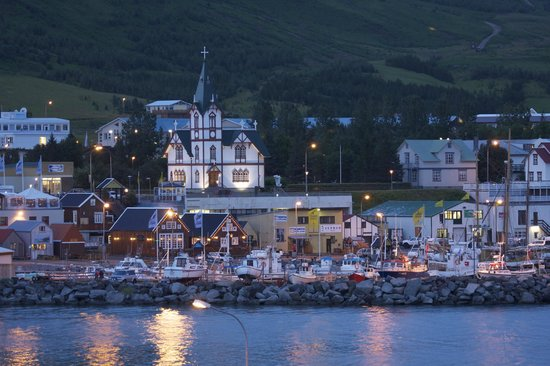 Husavik Cape Hotel: Lovely view of Husavik from the room