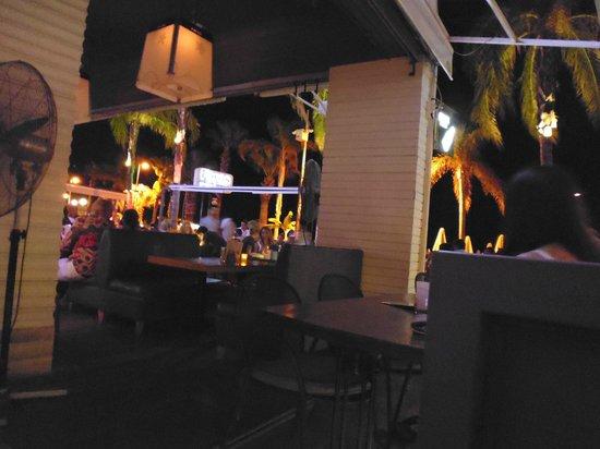 Vamos Beach: Seating area