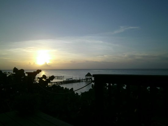 Frangipani Boutique Restaurant: Amazing sun set view
