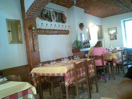 Santena, Italia: interno