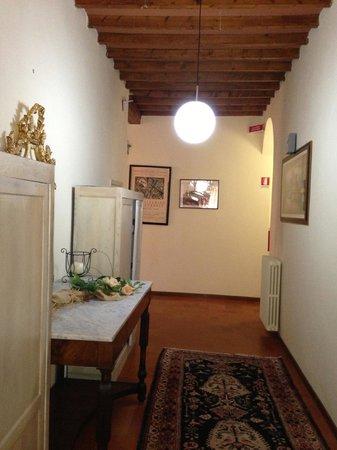 Hotel Miravalle: corridoio di accesso alla stanza 214 secondo piano