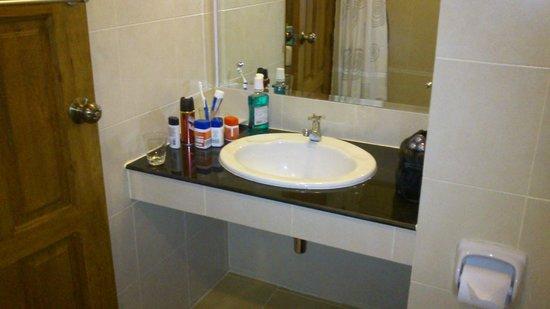 MEET Green Apartment: Bathroom