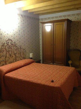 Ariele Hotel: camera