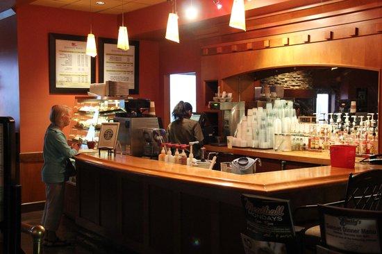 Quinault Beach Resort and Casino : Starbucks coffee bar