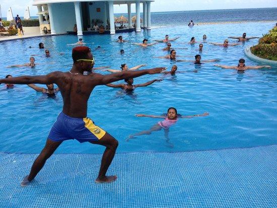Iberostar Rose Hall Suites: Pool with VIP