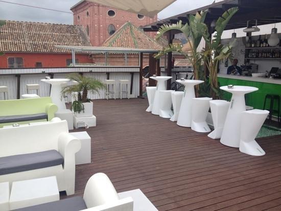 Oasis Backpackers' Hostel Malaga: laterrazaoasis