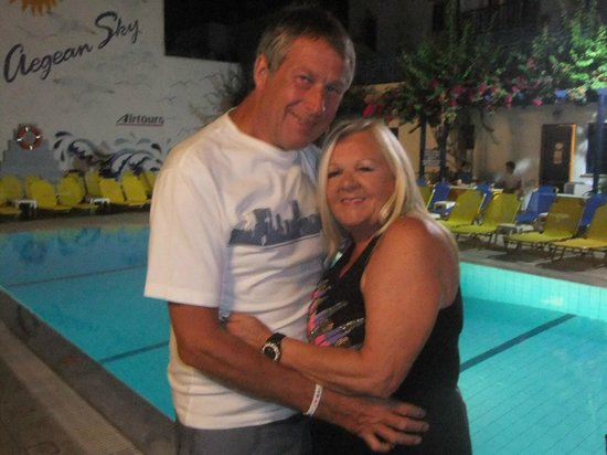 Aegean Sky Hotel & Suites: Gary and I @ Poolside