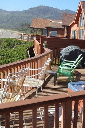 White Rock Resort : Next door deck (north)