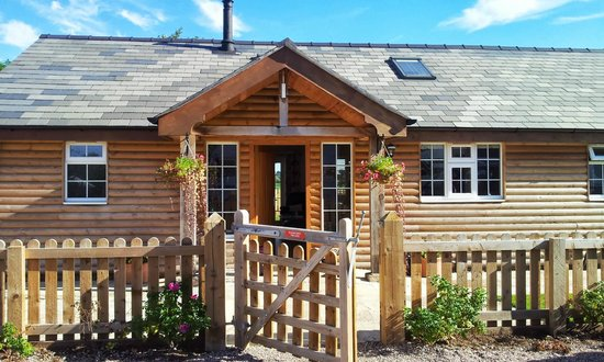 Hill House Farm: country lodge