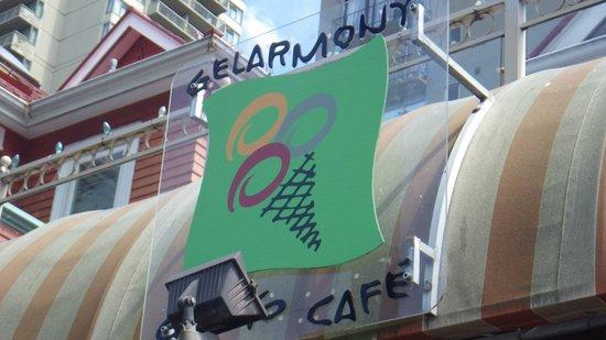 D'oro Gelato & Caffe : sign