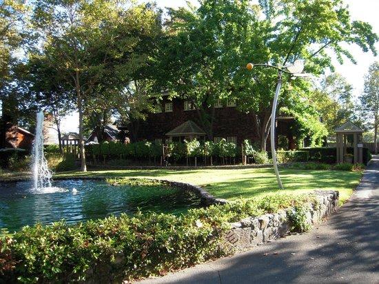 Senza Hotel: Beautiful grounds